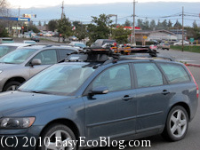 car with ski rack